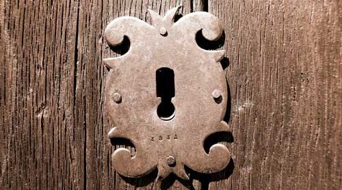 Pasos para abrir una cerradura antigua